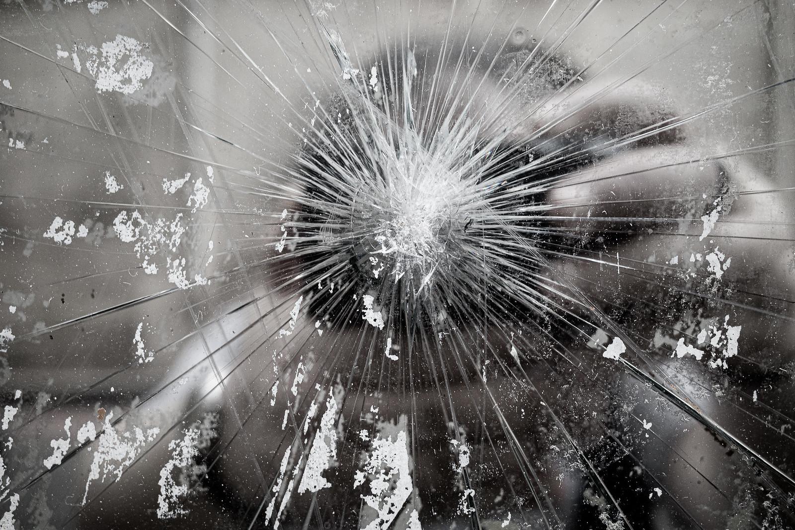 200716.brokenglass-0004497