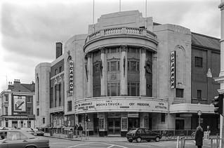 Cinema, Fulham Rd, Drayton Gardens, Chelsea, Kensington & Chelsea, 1988 88-4o-44-positive_2400