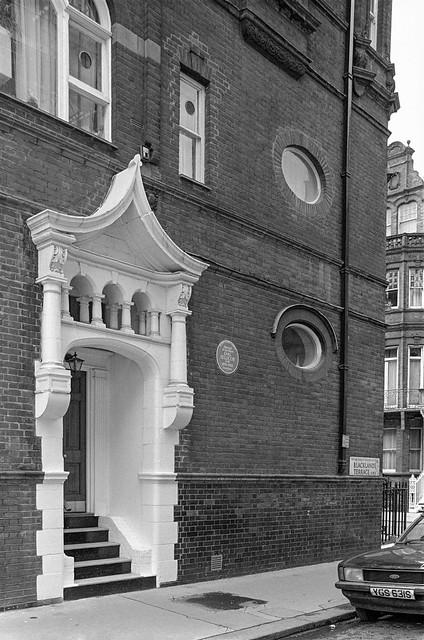 Blacklands Terrace, Earl Jellicoe, Chelsea, Kensington & Chelsea, 1988   88-4r-23-positive_2400