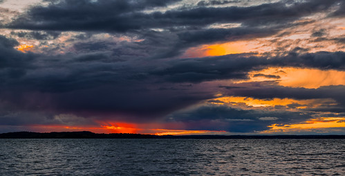 clouds sky sunset madison wisconsin lakemendota autumn fall horizontal panoramic canoneos5dmarkiv canonef100400mmf4556lisiiusm nopeople
