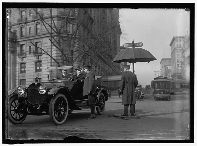DISTRICT OF COLUMBIA; TRAFFIC. STOP AND GO SIGNS (LOC)