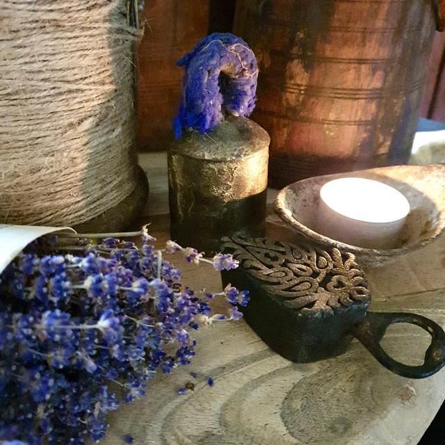 Lavendel kaars in kom decoratie