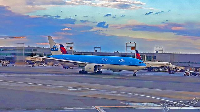 Planes on JFK International Airport Queens New York City NY P00668 20191002_174049