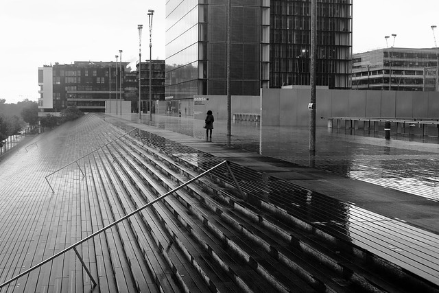 On the wet esplanade