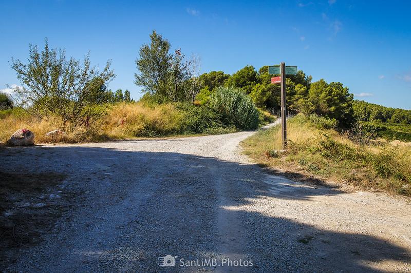 Cruce de caminos cerca del mirador de los Pèlags de Vilobí