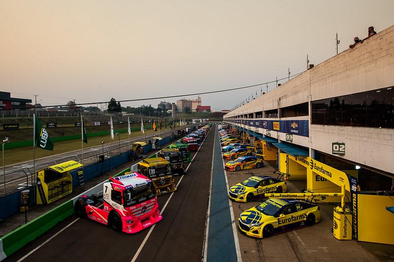 02/10/20 - O encontro histórico entre os brutos da Copa Truck e a tradição da Stock Car - Fotos: Duda Bairros
