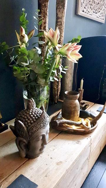 Buddha olijfbak Nepalese vaas boeket