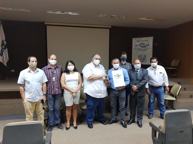 02/10/2020 - Embrapa Pantanal IV - Representantes do CFMV, CRMV-MS e CRMV-MT com Senadores