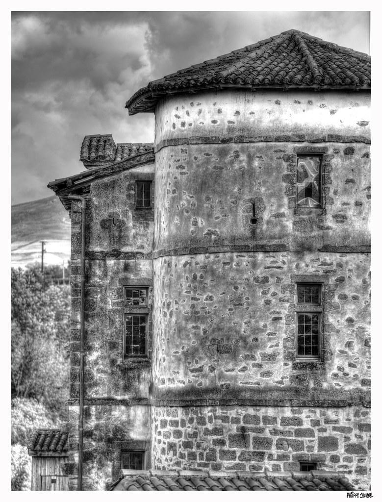 Chateau d'Espelette 50410031898_c51b95a0bc_b