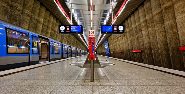 München; U-Bahnhof Mangfallplatz