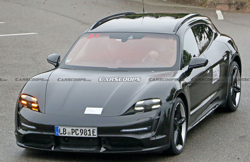 2021-Porsche-Taycan-Cross-Turismo-spy-shots-3