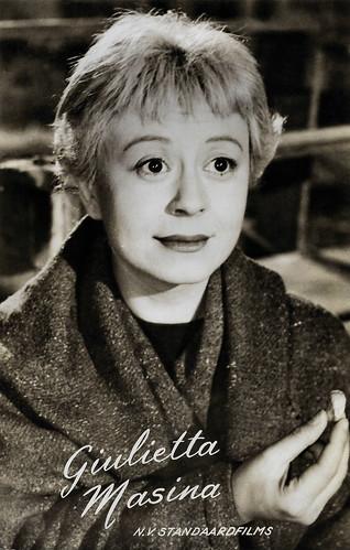 Giulietta Masina in La Strada (1954)