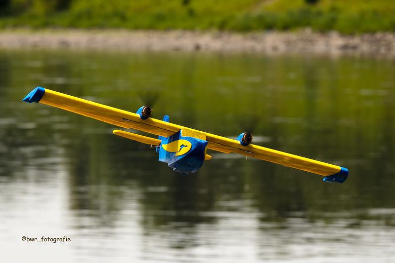 Modellflieger an der Elbe 2