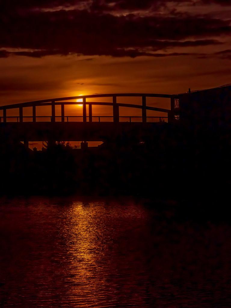 Le soir sur le Pont Neuf de Compiègne... 50411897887_8ecfa20f43_b