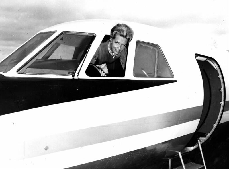 La aviadora Jacqueline Auriol batió un récord de velocidad a los mandos del primer Mystère civil.