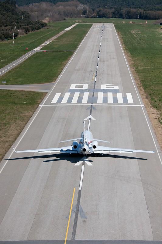 Un Dassault Falcon en La Môle, aeropuerto de Saint-Tropez