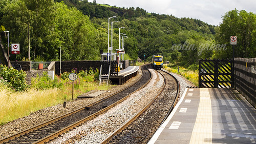 Train Approaching Platform 2, Slaithwaite Railway Station