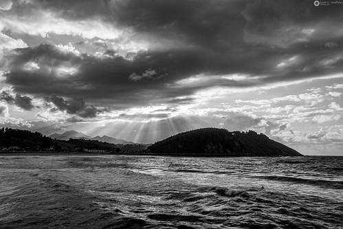 asturias bw backlighting blackandwhite clouds contraluz españa nubes principadodeasturias ribadesella spain sea mar landscape paisaje asturiasparaísonatural