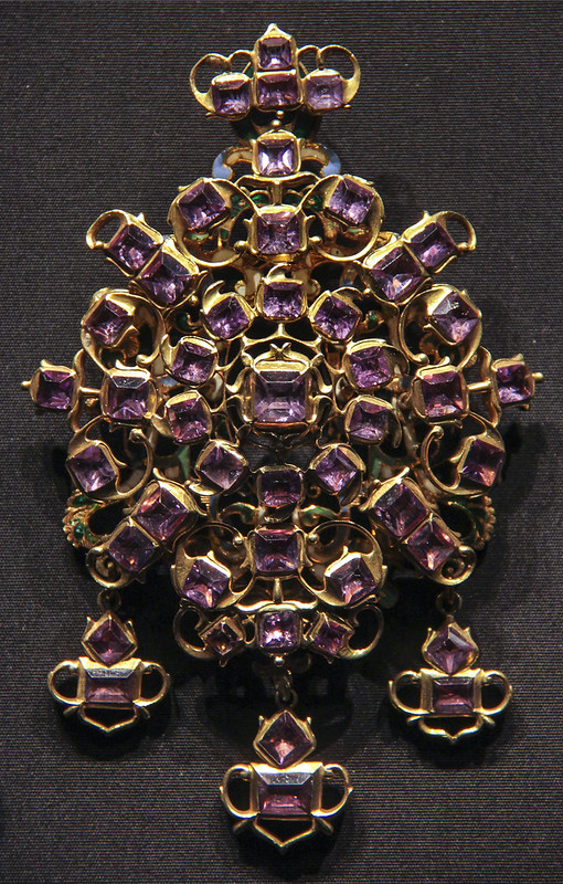 Pendant, Spain, 1625-50, amathysts in foiled settings in gold withenamel on the reverse