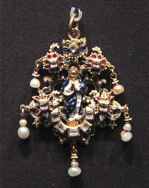Pendant with the Virgin of the Immaculate Conception, Spain, Saragossa, about 1600-20, enamelled gold with rubies, almandine garnet and pearls