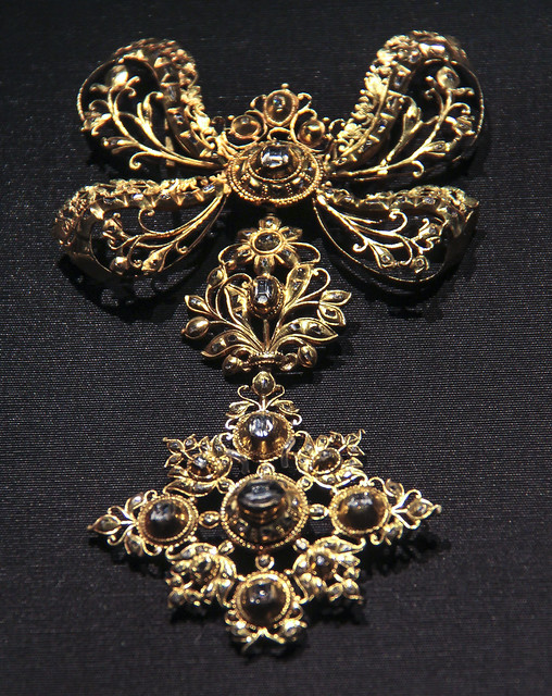 Slide and pendant, Spain, probably Cordoba, about 1750, table- and rose- cut diamonds set in gold