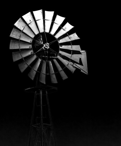 windmill amish aermotor sunset bw monochrome highcontrast blades waterpump outdoor blackbackground delaware lewes sussex
