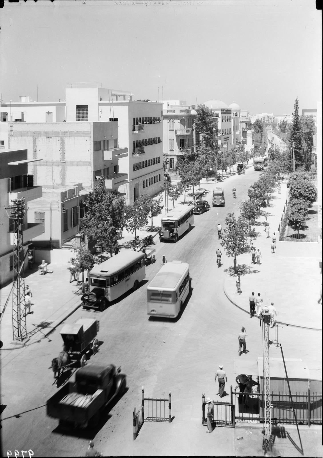 18. Тель-Авив, улица Алленби