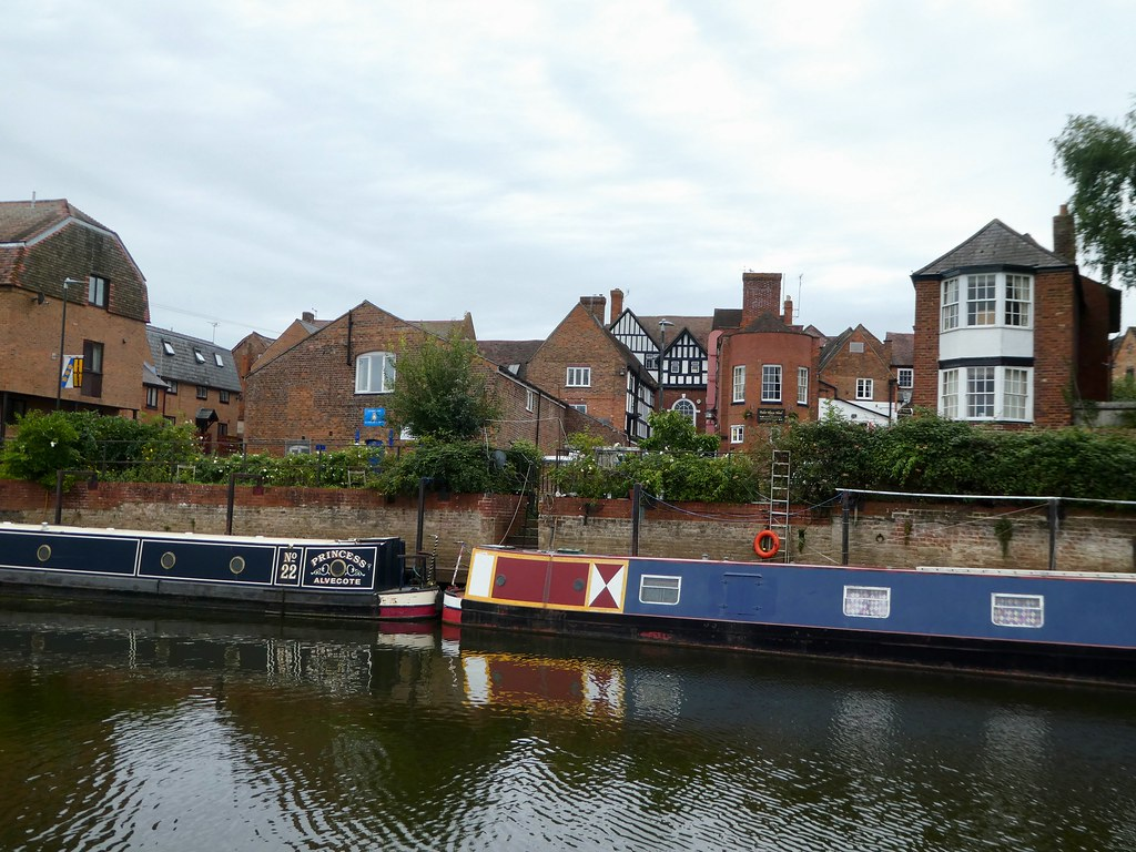 Along the Severn backwater in Tewkesbury