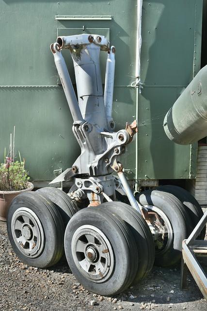Handley Page Victor Landing Gear
