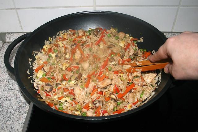 48 - Stir & continue fry / Vermischen & weiter anbraten
