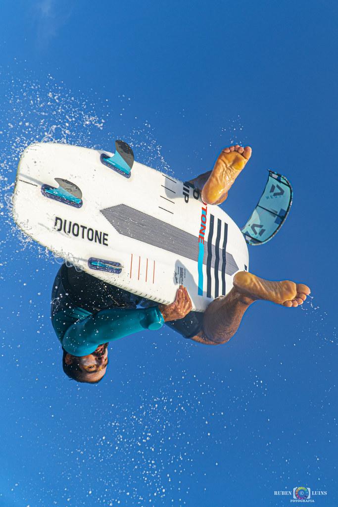 Una de kitesurf cañera!!!!! en Deportes y espectaculos50415902898_972be1422c_b