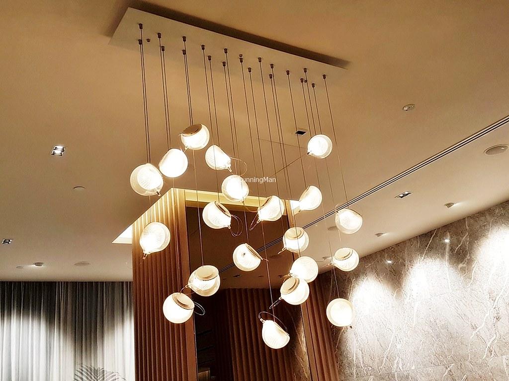 Changi Lounge 11 - Decorative Lights