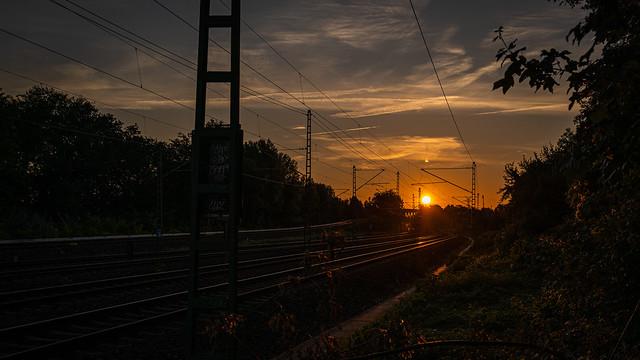 Sonnenuntergang am Bahndamm