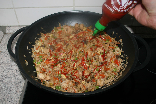 49 - Taste with seasonings & sriracha sauce / Mit Gewürzen & Sriracha abschmecken