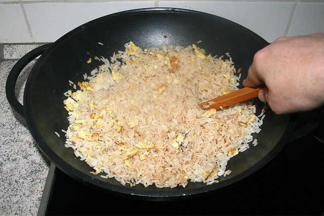 45 - Fry rice / Reis anbraten