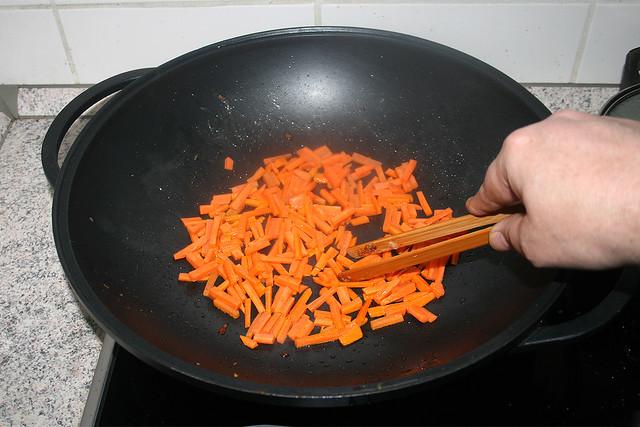 26 - Braise carrots / Möhren andünsten