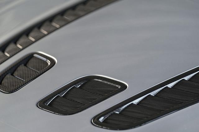aston-martin-v12-vantage-5-jpg.