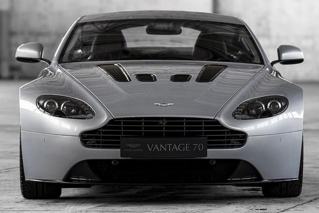 aston-martin-v12-vantage-7-jpg.
