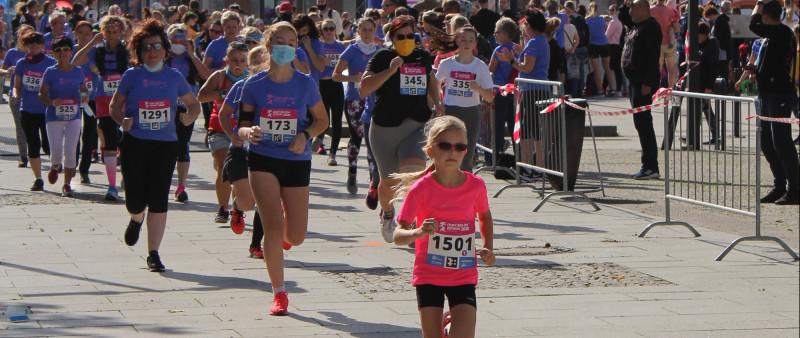 Ženy v běhu. Více než tisícovka dívek a dam absolvovala Český běh žen