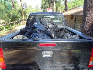 Déchets ramassés dans le camion et le pick-up de Jean-Jo