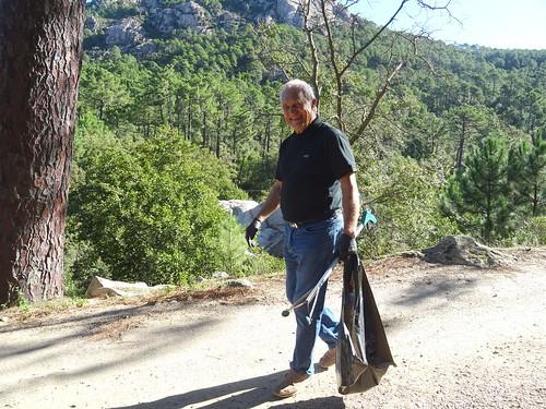Bénévoles au retour du nettoyage sur la route de Taddu Russu