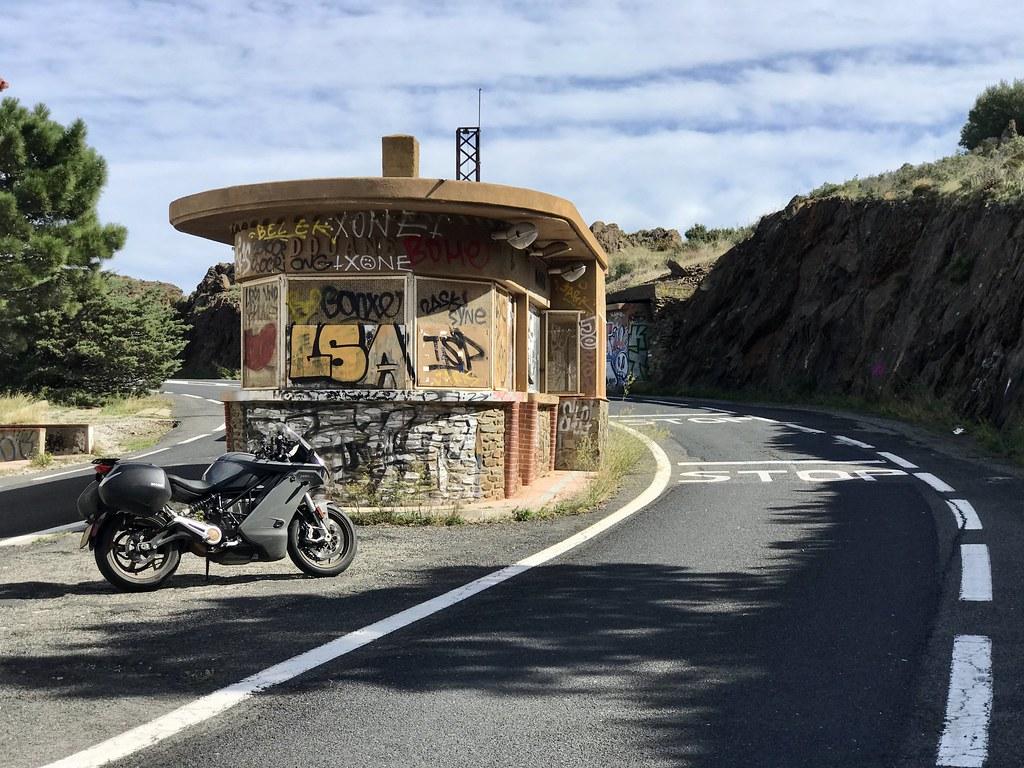 L'ancien poste frontière avec l'Espagne