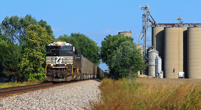NS 255 blasting out of New Berlin