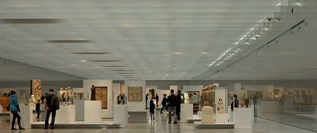 Louvre-Lens | 5,000 years of history at a glance