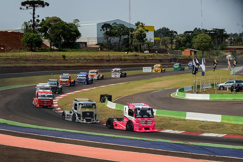04/10/20 - Valdeno Brito vence corrida 1 da 5ª etapa da Copa Truck em Cascavel - Fotos: Duda Bairros