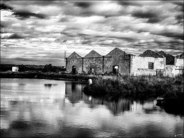 L'usine flottante / The floating factory