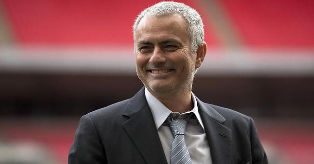 Phấn khích khi được làm nhục Man United, Mourinho hả hê nói về VAR sau trận đấu