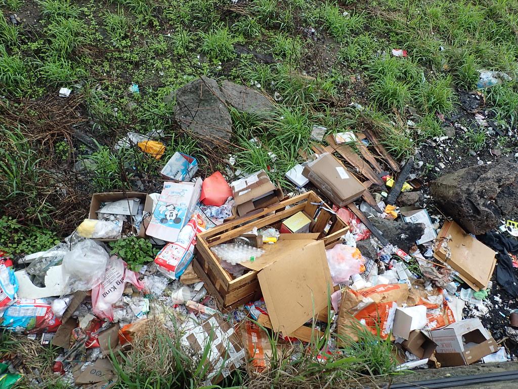 為佐證河川廢棄物與海岸廢棄物的關係,本調查也延伸至淡水河口左右兩側。