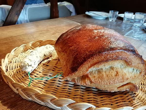 pain et saucisson
