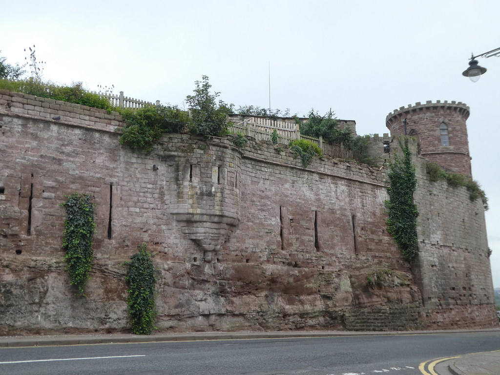 The mock Gothic wall and Gazebo Tower, Ross-on-Wye